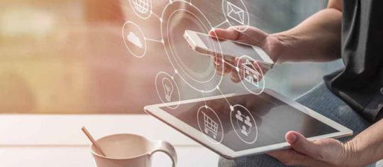 tablette et smartphone pour faire une demande de pret en ligne
